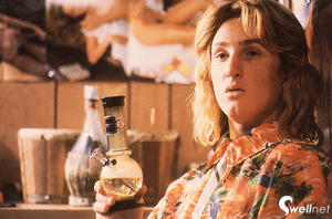 Jeff-spicoli-with-a-plastic-bong